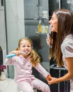 Грижа за зъбите с четките Philips Sonicare